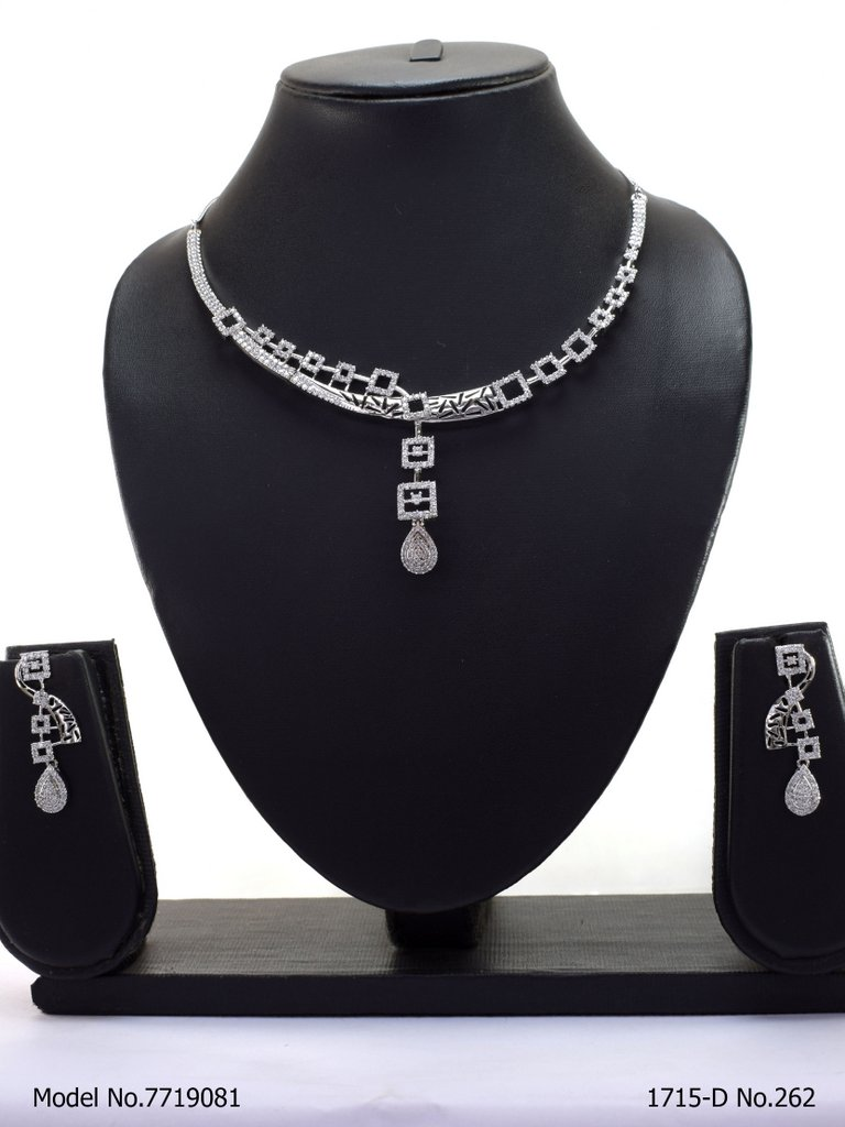Classic Modern Day Gift Jewelry for Women