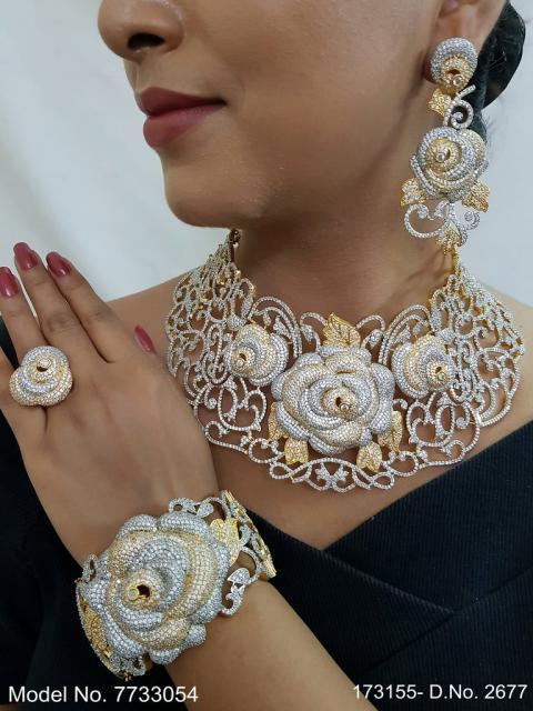 eye catchy Necklace set