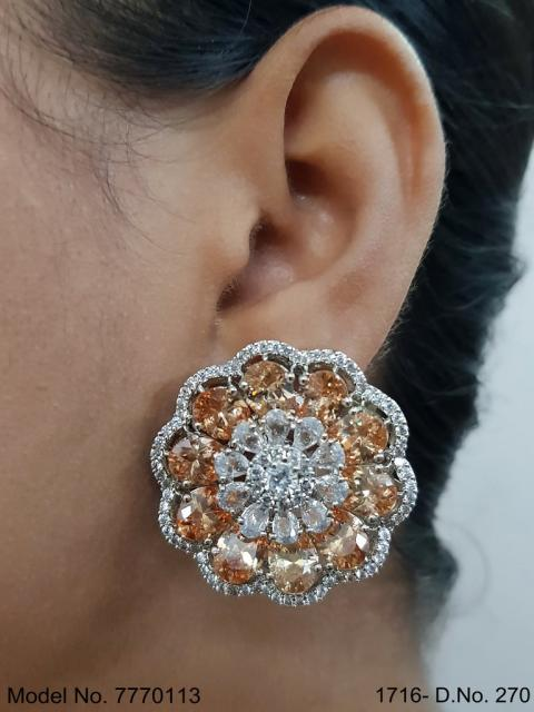 Zircon Earrings can be a Gift
