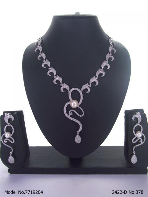 Classical Yet Trendy | Jewelry Set