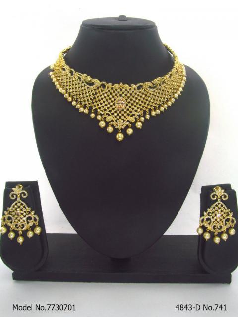 Choker Necklace Set for Weddings