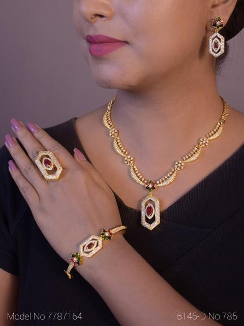 Amazing Traditional Jewelry Set