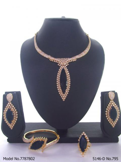 Necklace Designed by Passionate Craftsmen !