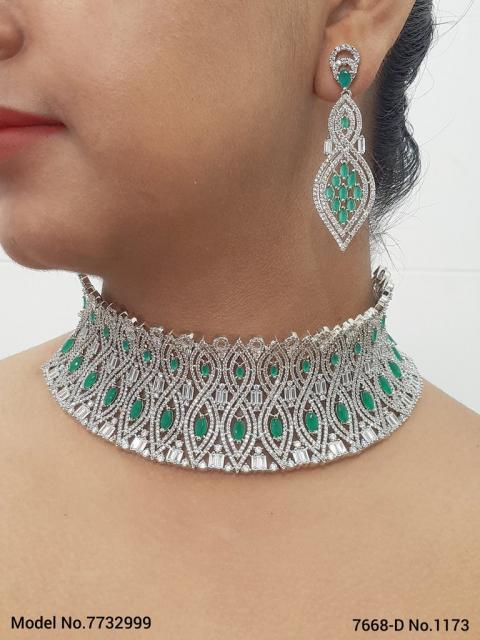 Necklace Set with Classic earrings