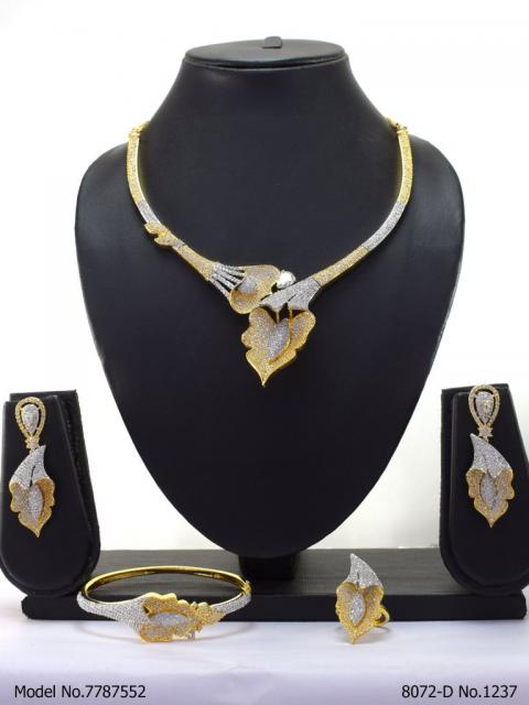 Statement American Diamond Set
