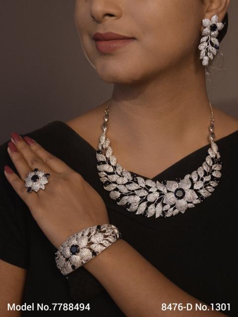 Traditional American Diamond Set